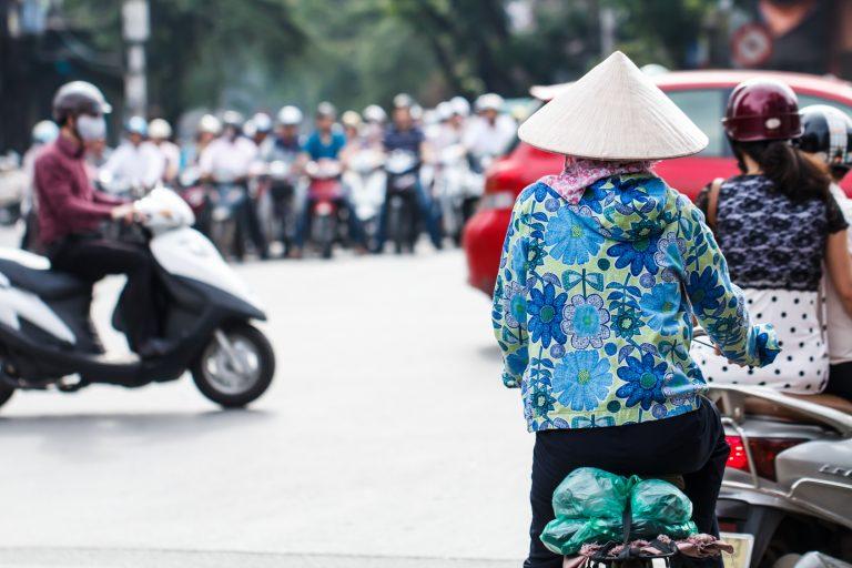 市内の交通事情はバイクが中心